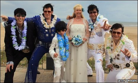 Steve and Barbara Caprice with their Elvis tribute wedding guests