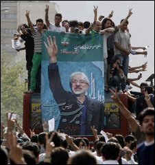 Supporters of Mir Hossein Mousavi march in Tehran on 15 June, 2009
