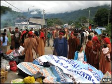 Indian roadblock in Andahuaylas, Peru, 15 June
