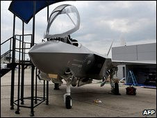 F-35 scale model at Paris air show