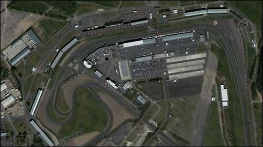 Zoom in and fly around Silverstone circuit