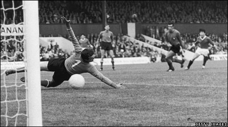 Italian goalkeeper Enrico Albertosi fails to save a shot from North Korean forward Pak Doo Ik (right) during North Korea's World Cup match against Italy at Ayresome Park, Middlesbrough, the UK, on 19 July 1966