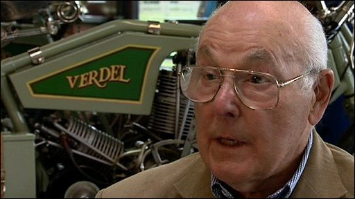 Commentating legend Murray Walker