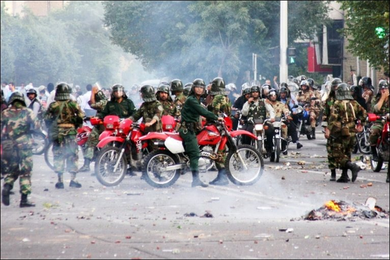 Security forces on motorcycles in Tehran - 20/6/2009
