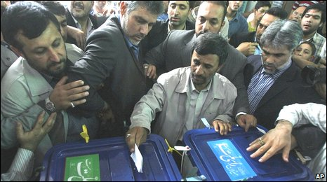 Mahmoud Ahmadinejad votes on 12/6/09
