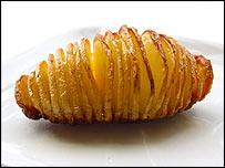 A Hasselback potato