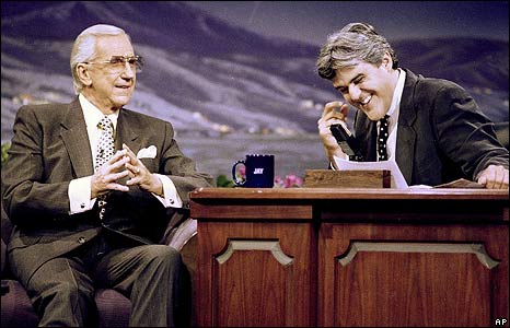 'Ed McMahon and Jay Leno' from the web at 'http://newsimg.bbc.co.uk/media/images/45962000/jpg/_45962866_mcmahonleno1993_ap.jpg'