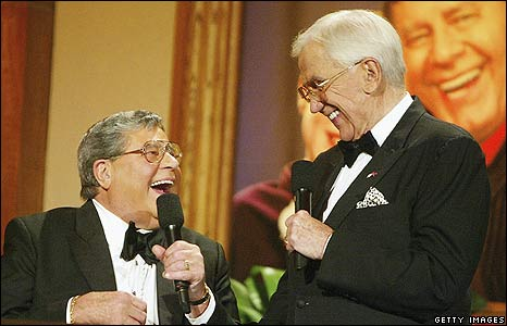 'Jerry Lewis and Ed McMahon' from the web at 'http://newsimg.bbc.co.uk/media/images/45962000/jpg/_45962867_mcmahonlewis_getty.jpg'