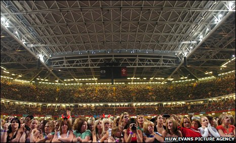 Sell-out crowd for Take That