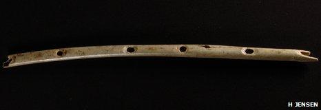 Bone flute from Hohle Fels (H Jensen)