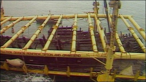 The Mary Rose being raised in 1982