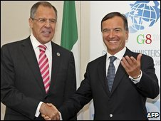Russian Foreign Minister Sergei Lavrov (L) and Italian Foreign Minister Franco Frattini in Trieste, Italy (25 June 2009)