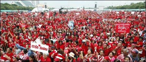 Red-shirted demonstrators in Bangkok, 27/06
