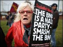مظاهرات مناوئة للحزب الوطني البريطاني