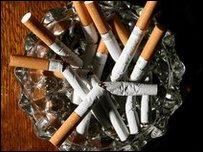 """هيئة سعودية:""""الاقلاع عن التدخين عليك وزواجك علينا"""""""