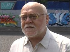 Les McLean at the Belfast peace line