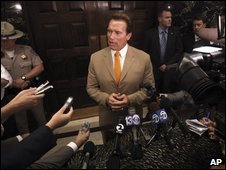 Gov Arnold Schwarzenegger appeals to lawmakers to reach agreement