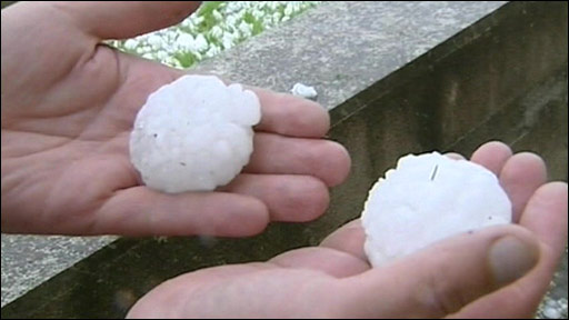 The huge hail stones in Spain