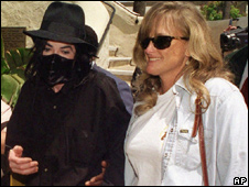 Michael Jackson and Debbie Rowe in 1996