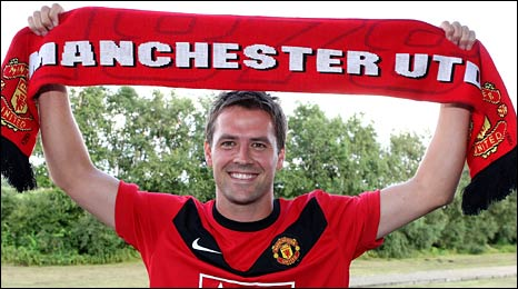 Michael Owen has signed a two-year deal to play at Old Trafford