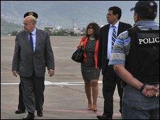 Miguel Insulza arrives in Honduras