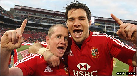 Shane Williams (left) and Mike Phillips celebrate victory in the third Test