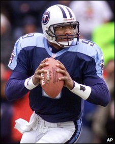 Steve McNair playing for the Titans in January 2000