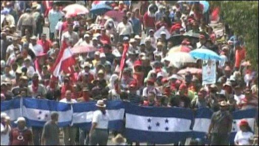 Supporters of President Zelaya
