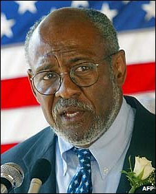 Archive photo of Johnnie Carson, from 2002