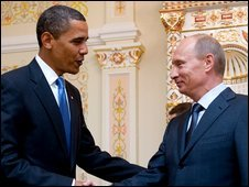 Barack Obama (l) and Vladimir Putin