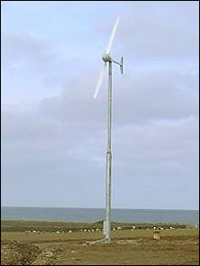 pole mounted turbine, Orkney Islands (Image: EST)
