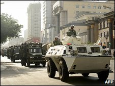 Chinese tanks move into Urumqi following unrest there