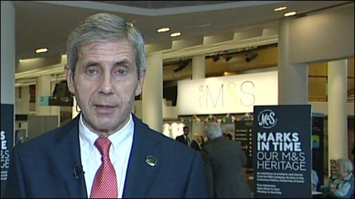 M&S boss to carry on in dual role