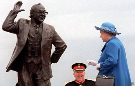 Ten years ago this month (July 2009)  the statue of comedy legend Eric Morecambe was unveiled by the Queen on Morecambe Promenade