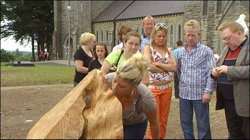 Pilgrimage to tree stump