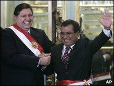 Peru's President Alan Garcia (left) and PM Javier Velasquez Quesquen