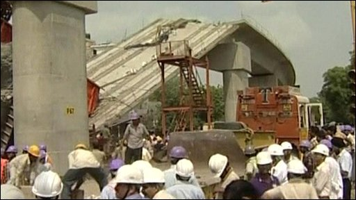 Collapsed bridge in Delhi