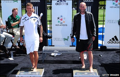 David Beckham and Zinedine Zidane leave footprints