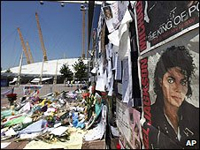 Michael Jackson tributes at the O2, 30 June