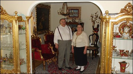Local Roma baron Yan Grondovsky and his wife