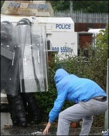 Republilcan youths attack police with stones in north Belfast