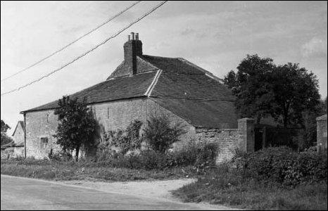 Latton Wharf House