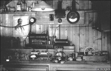 Artie Moore's workshop in 1911 - photo copyright Glyn Jones