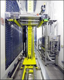 Robot storing samples