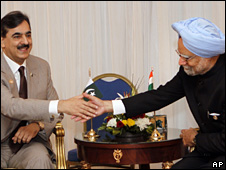 Manmohan Singh and Yousuf Raza Gilani meeting in Egypt