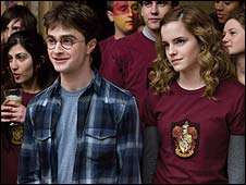 Daniel Radcliffe and Emma Watson in Harry Potter and the Half-Blood Prince