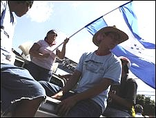 Supporters of Manuel Zelaya in Tegucigalpa, Honduras (14 July 2009)