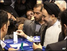 Mohammad Khatami casts his vote in the Iranian presidential elections on 12 June