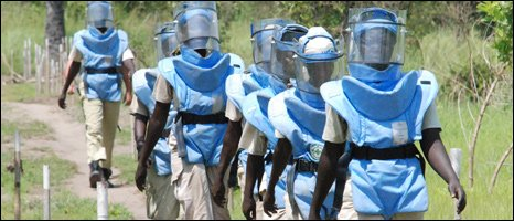 De-mining team in Bungu