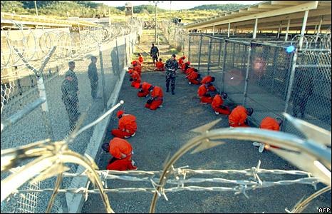 Prisoners in Guantanamo Bay in 2002